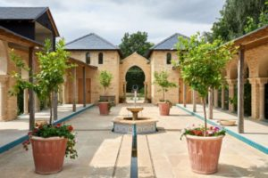 Moorish Pavilion courtyard at Kingham Cottages